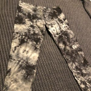 Xhiliration Tie Dye Leggings